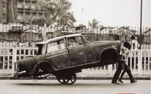 доставить битый автомобиль